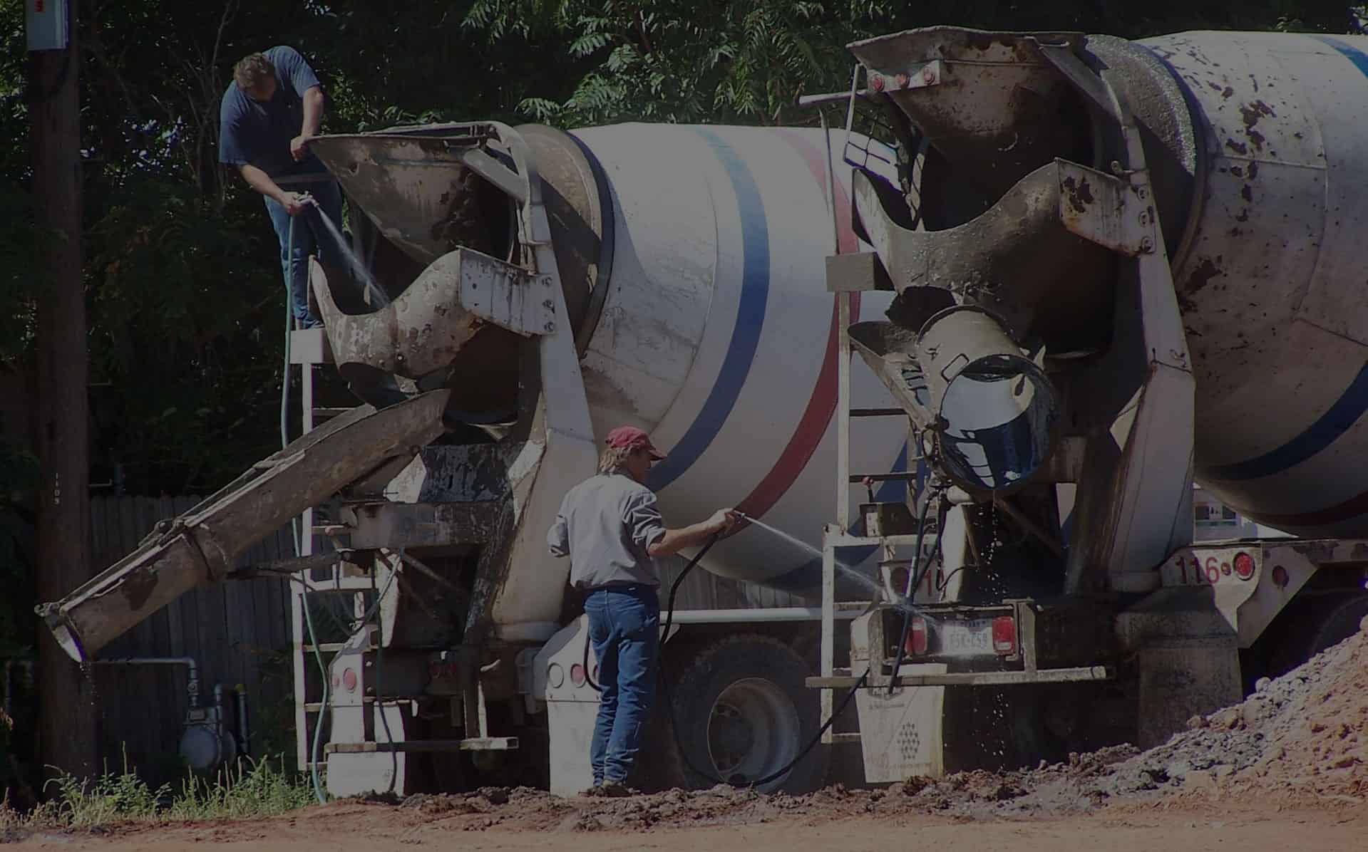 Cement trucks getting washed - Kimax